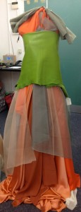 shop-window-fabrics-on-dummy
